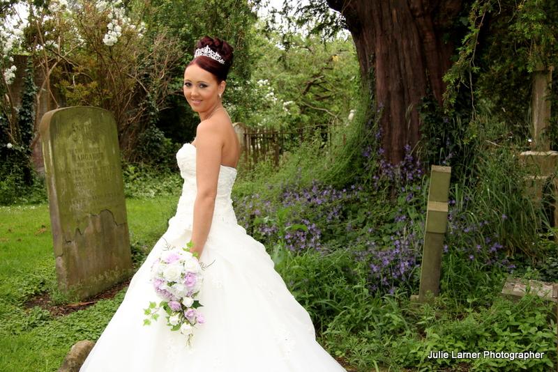 wedding photos kate and johnny otford church